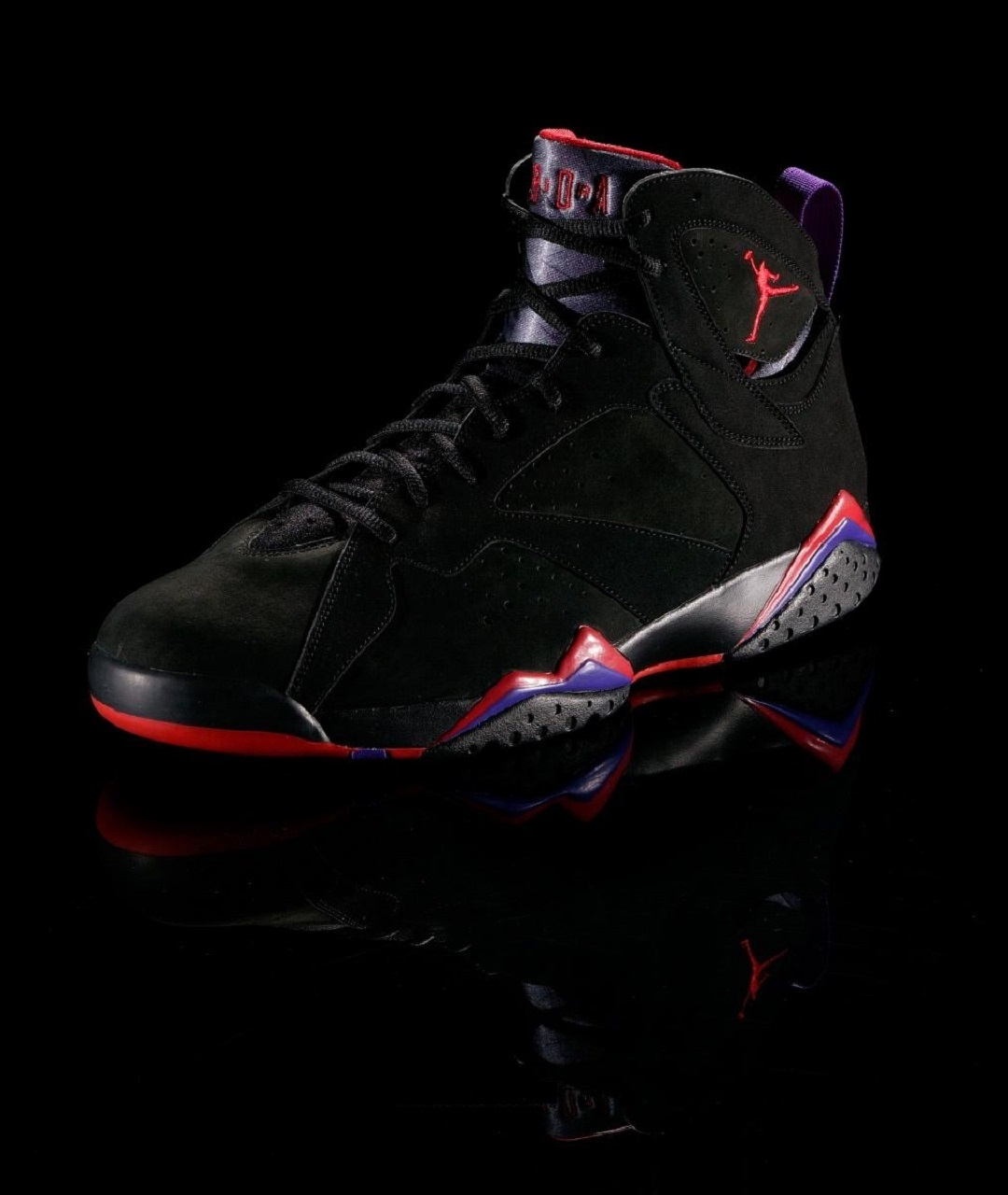 f48b8f60d57 Among other changes in the Air Jordan series, ads shifted from MJ's  collaboration with Mars Blackmon to Michael and Bugs Bunny. One commercial  featured the ...